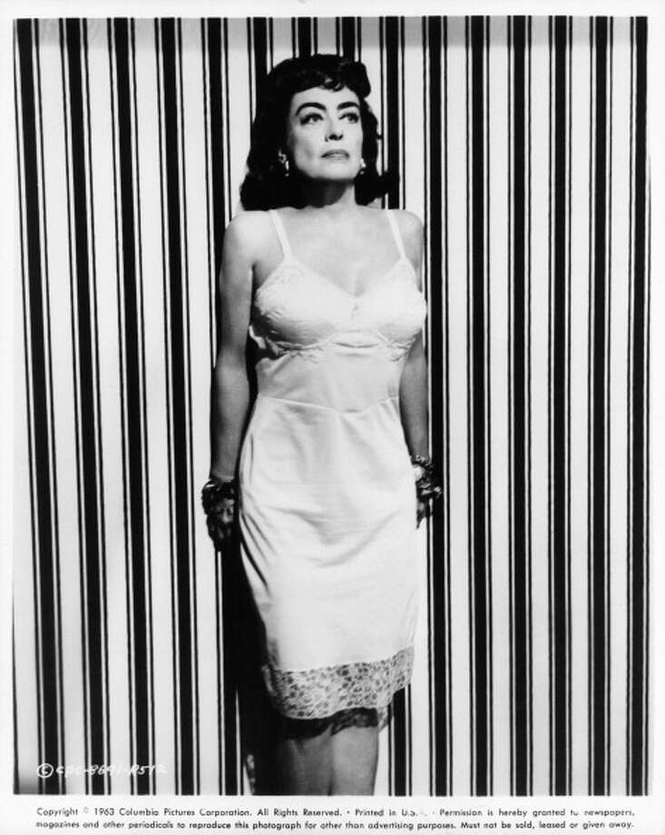 Promo shot of Joan Crawford for the film 'Strait-Jacket' (1964).  Joan just wouldn't let go.  But she should have. Photo: Archive Photos, Getty Images / 2012 Getty Images