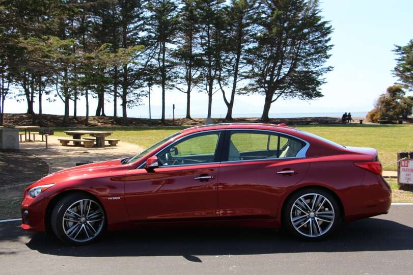 the 2014 infiniti q50s hybrid is derived from the g35 sedan that photo san. Black Bedroom Furniture Sets. Home Design Ideas