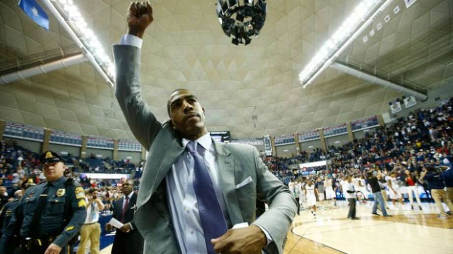 Kevin Ollie (Getty Images)