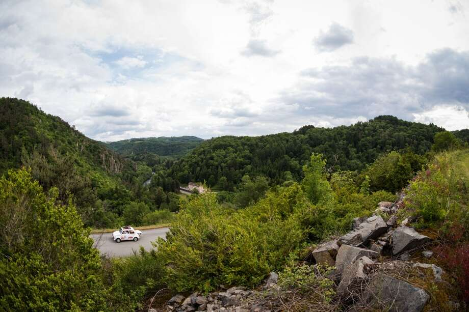 A general view of atmosphere during stage 4 of day 3 of the 15th Rallye des Princesses on June 2, 2014 in Gorges de la Sioule, France. Photo: Getty Images