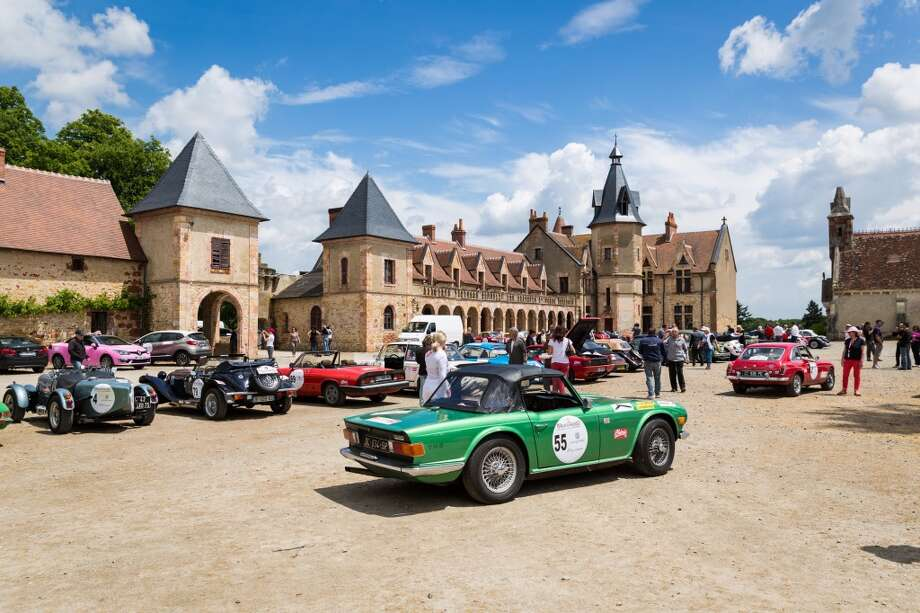 A general view of atmosphere during the lunch break at Chateau de la Crete during the 15th Rallye des Princesses on June 2nd, 2014 in Audes, France. Photo: Getty Images