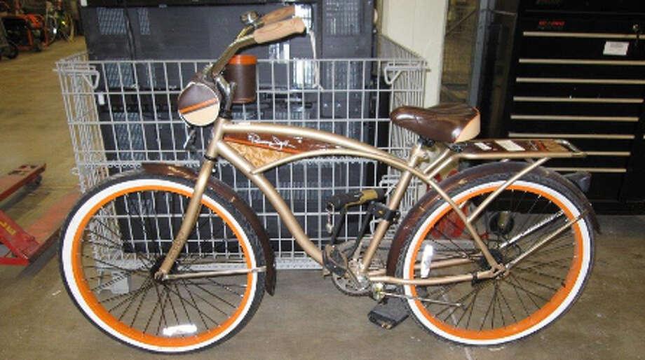 "HUFFY, PANAMA JACK 26"" MEN'S BICYCLE, item # 70273, CS#13039 315 Photo: San Antonio Police Department"