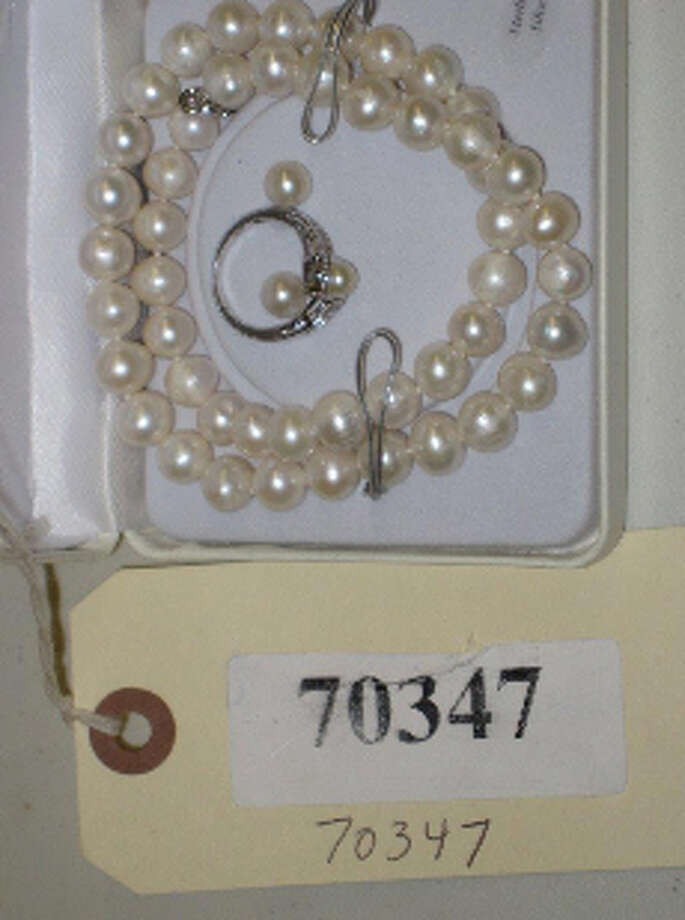 "16"" PEARL NECKLACE W/SILVER COLOR RING & 1-PR STUD EARRINGS, item # 70347, MK-925, CS#13004365 Photo: San Antonio Police Department"