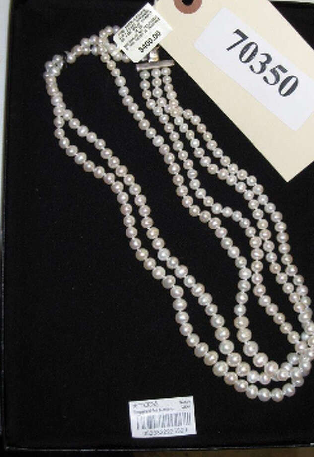 PEARL STRAND NECKLACE, NIB, item # 70350, MK-925, CS#13004365 Photo: San Antonio Police Department