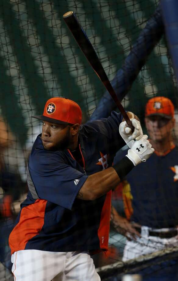 Jon Singleton, who was just signed and brought up from the minors takes batting practice. Photo: Karen Warren, Houston Chronicle