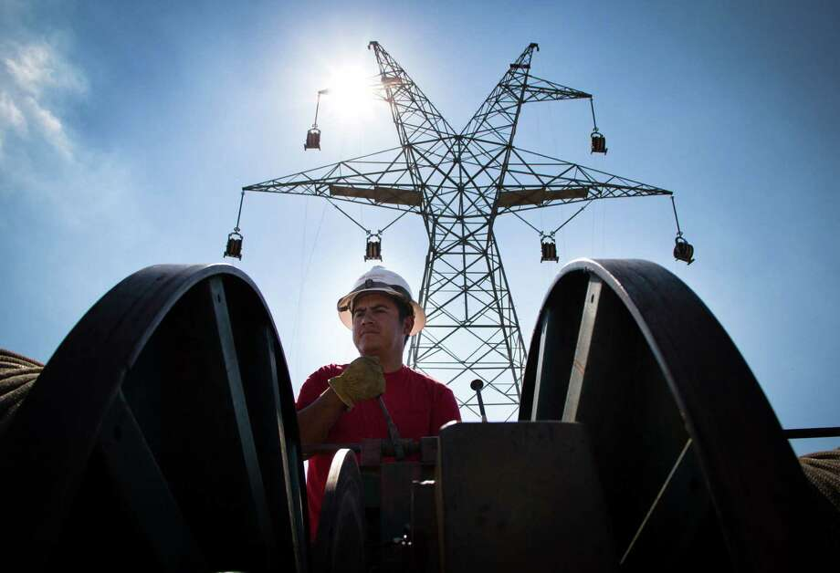 New energy-efficiency measures could restrain peak power demand in Texas by 5,000 to 7,000 megawatts through 2032, according to a report prepared for the Texas Clean Energy Coalition. Photo: Axel Gerdau, Texas Tribune / Axel Gerdau
