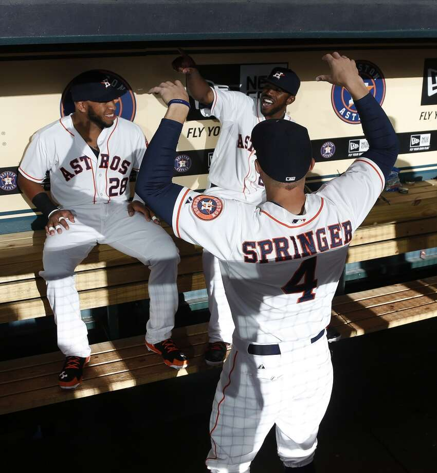 Astros first baseman Jon Singleton (28) with Dexter Fowler (21) and George Springer (4) before the game. Photo: Karen Warren, Houston Chronicle