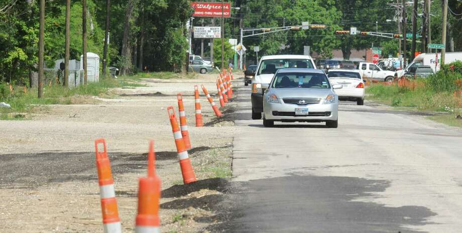 Traffic passes along Concord Road Tuesday afternoon. Photo taken Tuesday, June 03, 2014 Guiseppe Barranco/@spotnewsshooter Photo: Guiseppe Barranco, Photo Editor