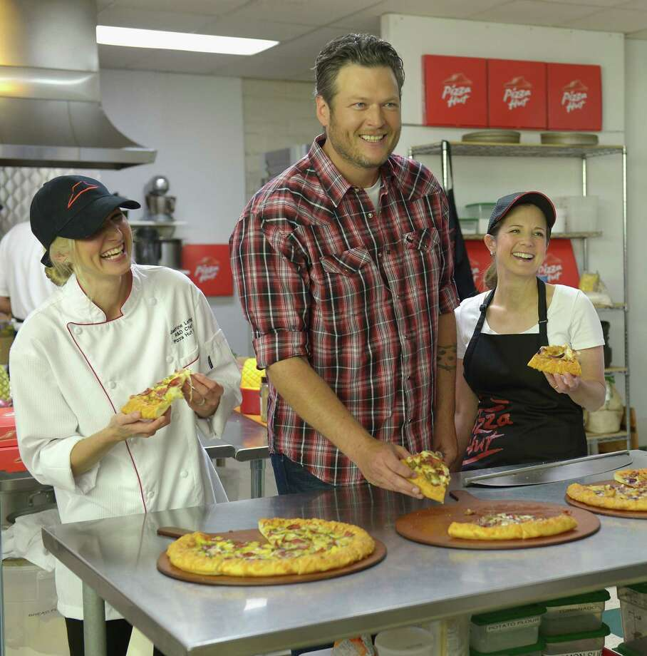 Country singer Blake Shelton is the inspiration behind Blake's Smokehouse BBQ Pizza. Photo: Jason Kempin, Staff / 2014 Getty Images