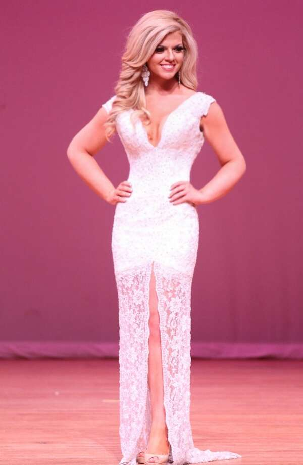 Miss South Texas Keli Kryfko lost 100 pounds to transform herself from an overweight teenager into a Texas pageant queen. Photo: Keli Kryfko