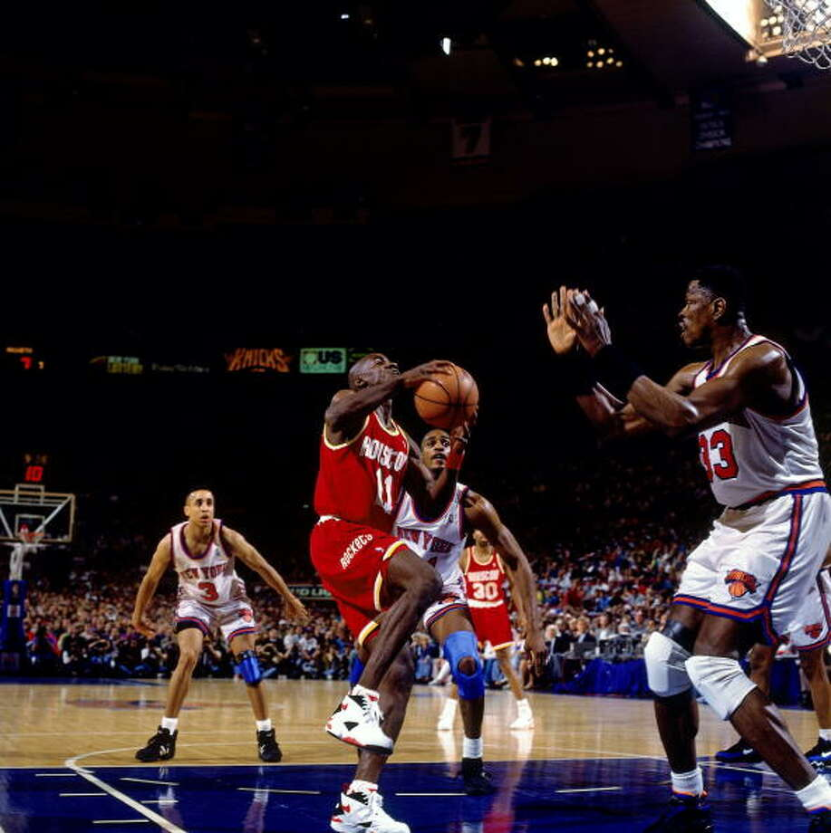 Game 3 - Sunday, June 12, 1994Rockets 93, Knicks 89Houston leads series 2-1  Vernon Maxwell shoots against Patrick Ewing. Photo: Nathaniel S. Butler, NBAE/Getty Images / 1994 NBAE