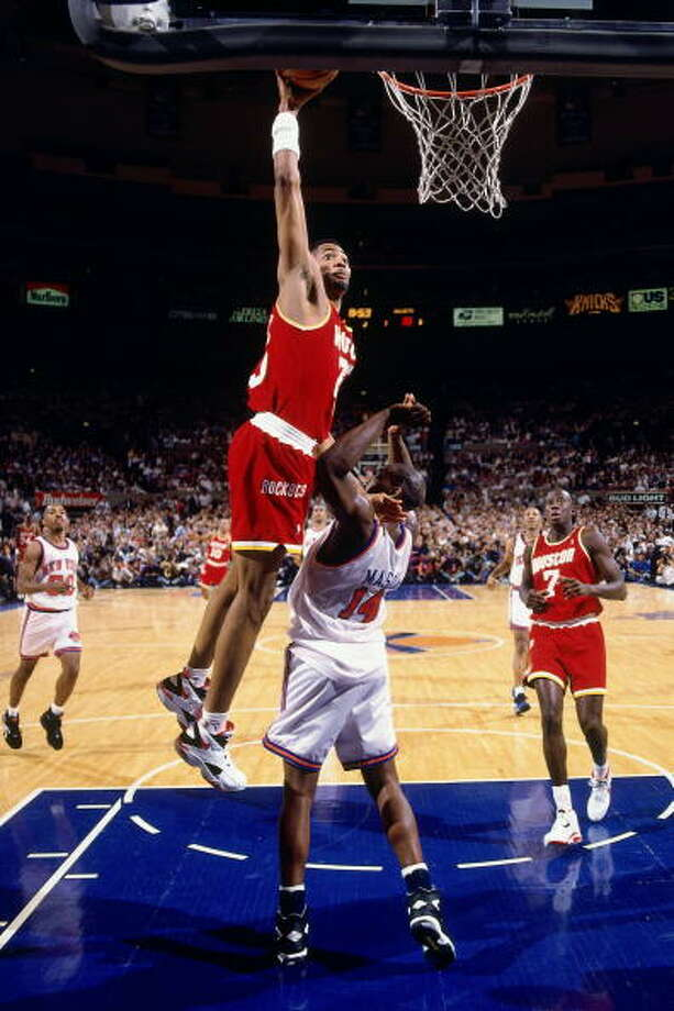 Game 4 - Wednesday, June 15, 1994Knicks 91, Rockets 82Series tied 2-2  Robert Horry dunks over Anthony Mason. Photo: Andrew D. Bernstein, NBAE/Getty Images / 1994 NBAE