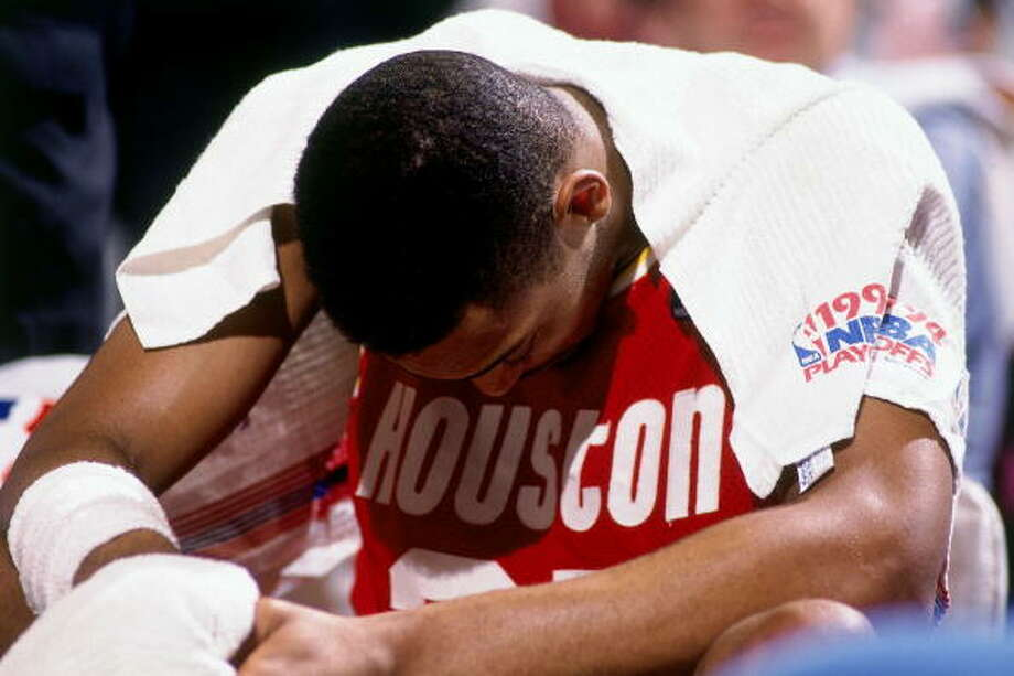 Game 5 - Friday, June 17, 1994Knicks 91, Rockets 84New York leads series 3-2  Robery Horry sits with his head down. Photo: Nathaniel S. Butler, NBAE/Getty Images / 1994 NBAE