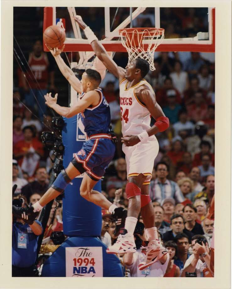 Game 6 - Sunday, June 19, 1994Rockets 86, Knicks 84Series tied 3-3  Hakeem Olajuwon tries to block a layup by John Starks in the first quarter. Photo: John Makely, Houston Chronicle