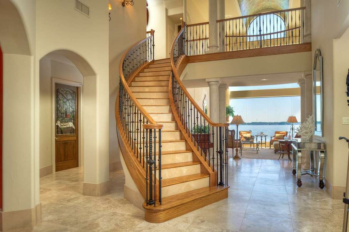 265 Promenade : This 2006 home has 5 bedrooms, 6.5 bathrooms, 7,254 square feet, and is listed for $3,000,000.