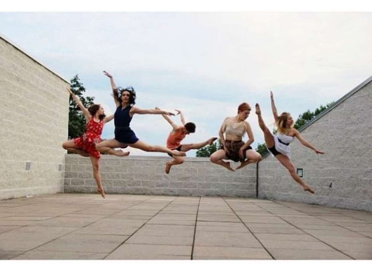 New York State Summer School of the Arts dance students unwind at the The Frances Young Tang Teaching Museum and Art Gallery at Skidmore College. (NYSSSA)