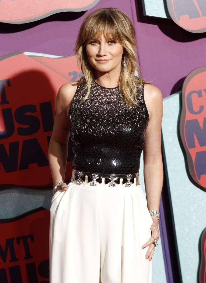 Jennifer Nettles arrives at the CMT Music Awards at Bridgestone Arena on Wednesday, June 4, 2014, in Nashville, Tenn. Photo: Wade Payne, Associated Press