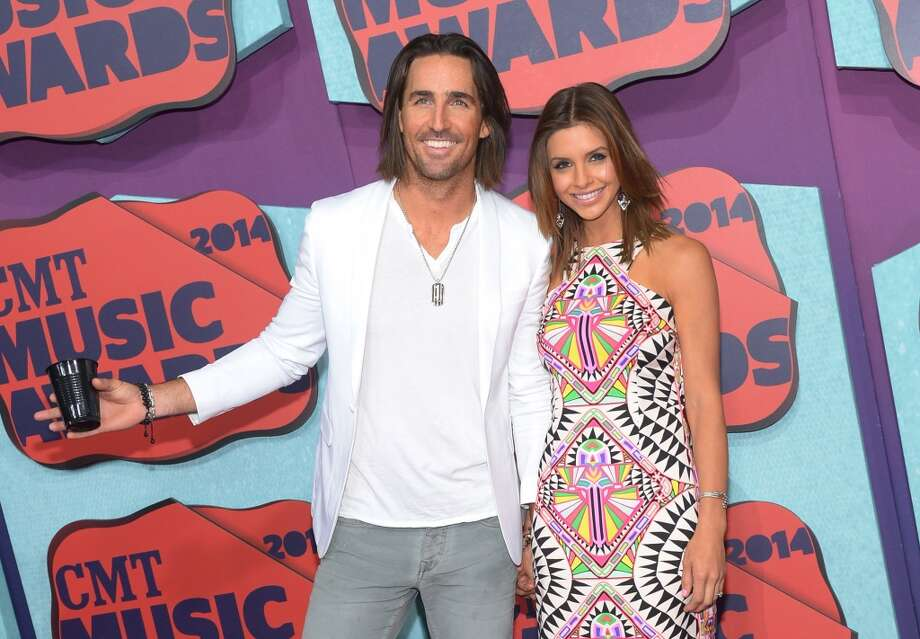 Jake Owen and  Lacey Buchanan attend the 2014 CMT Music awards at the Bridgestone Arena on June 4, 2014 in Nashville, Tennessee. Photo: Michael Loccisano, Getty Images