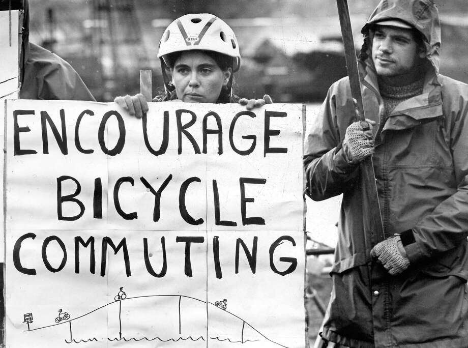 November 1980 - Joanne Murray encourages support of bikeways on the West Seattle bridge. Photo by Kurt Smith. Photo: FILE PHOTO, SEATTLEPI.COM / SEATTLEPI.COM
