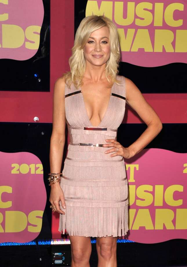 Kellie Pickler arrives at the 2012 CMT Music Awards on Wednesday, June 6, 2012 in Nashville, Tenn. (Photo by John Shearer/Invision/AP) Photo: John Shearer, JOHN SHEARER/INVISION/AP