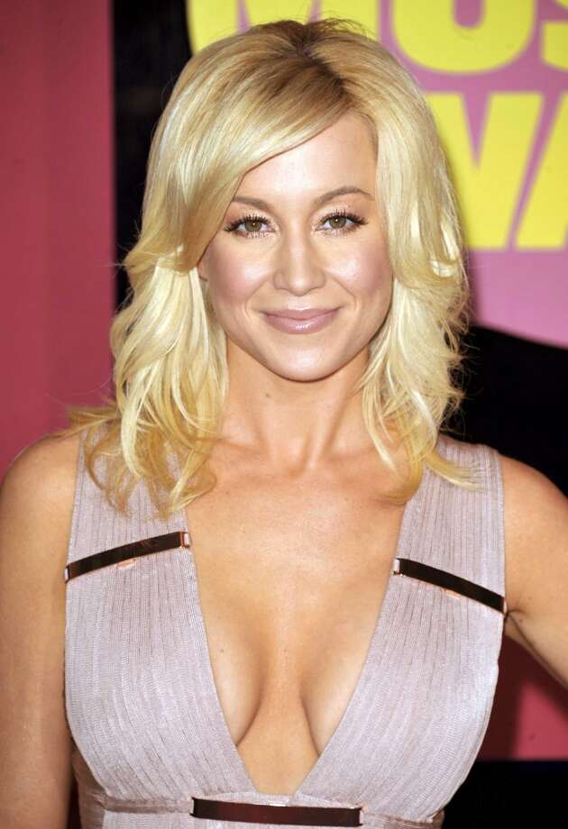 "FILE - This June 6, 2012 file photo shows singer Kellie Pickler at the 2012 CMT Music Awards in Nashville, Tenn. Pickler is one of eleven celebrity contestants who will compete on the next edition of ""Dancing with the Stars."" The new season kicks off on ABC with a two-hour premiere on March 18. (Photo by John Shearer/Invision/AP, file) Photo: John Shearer, Photo By John Shearer/Invision/A"