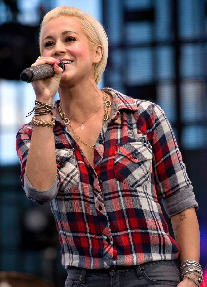 Country music star Kellie Pickler performs at the Rockingham County Fair in Harrisonburg, VA, on Wednesday, Aug. 14, 2013, opening the show for Alan Jackson (AP Photo/Daily News-Record, Jason Lenhart) ORG XMIT: VAHAR101 Photo: AP