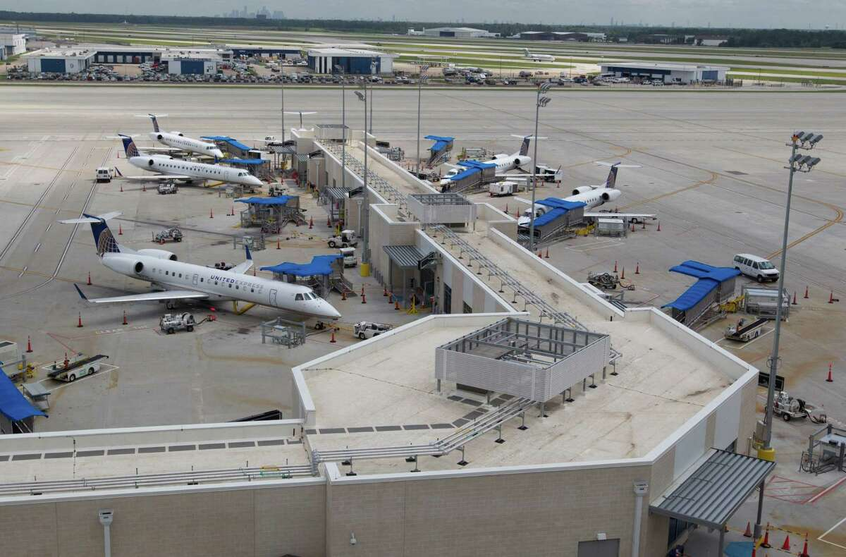 Houston's George Bush Intercontinental Airport, which finished at at No. 6 on the best airports for year-over-year improvements ranking list, saw 3.5 percent improvement from 2017 to 2018.  (Billy Smith II /Houston Chronicle)