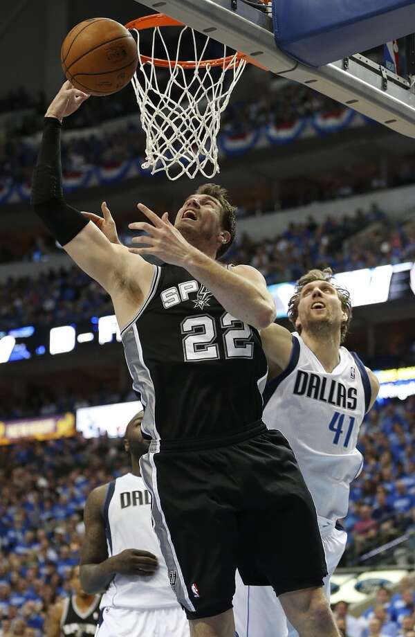 For fans watching Tiago Splitter from his native Joinville in Brazil, the game will be aired at 10 p.m. Photo: Express-News