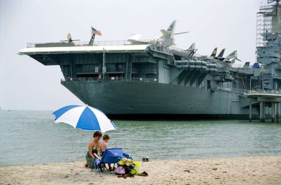 Corpus Christi attraction:USS Lexington