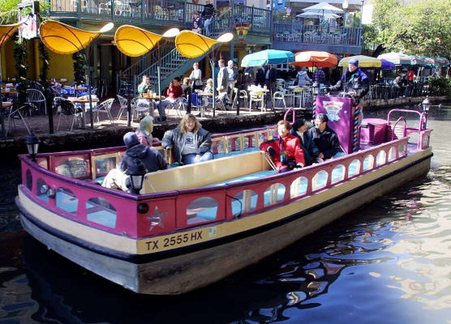San Antonio attraction: The River Walk 