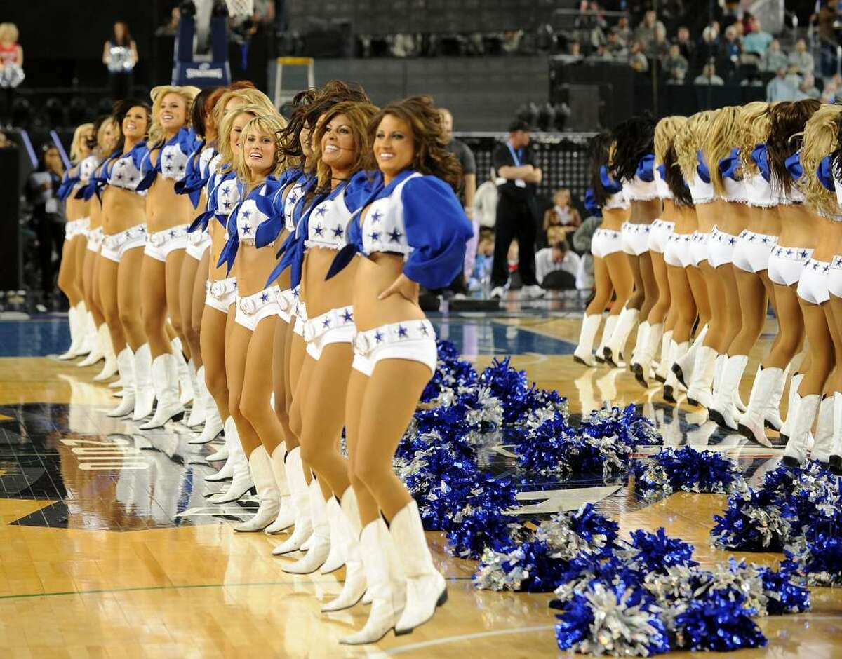 ARLINGTON, TX - FEBRUARY 14: Dallas Cowboys Cheerleaders perform during the NBA All-Star Game held at Cowboys Stadium on February 14, 2010 in Arlington, Texas. (Photo by Jason Merritt/Getty Images)
