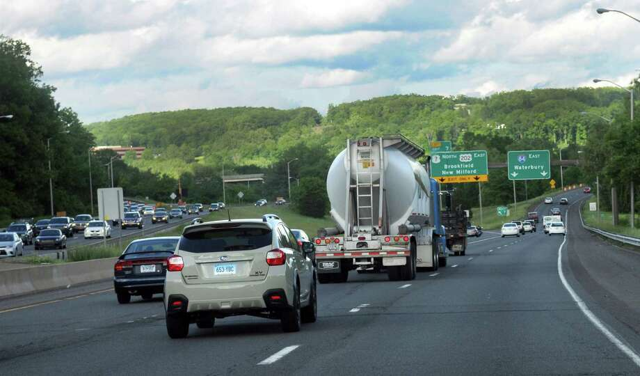 I-84 East where the road splits for Routes 7 North and 202 East in Danbury, Conn., Thursday, June 5, 2014. Photo: Carol Kaliff / The News-Times