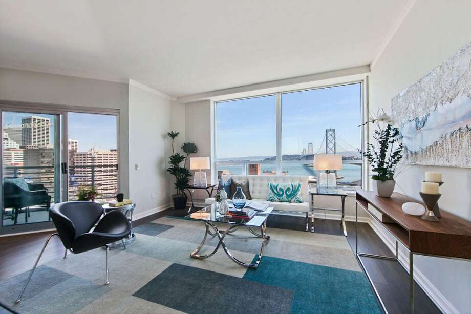 This 1,074-foot view condo at 400 Beale Street in the 94105 zip code sold on May 19 for $1.55 million. It was listed May 2 at $1.225 million. Photo: SFARMLS