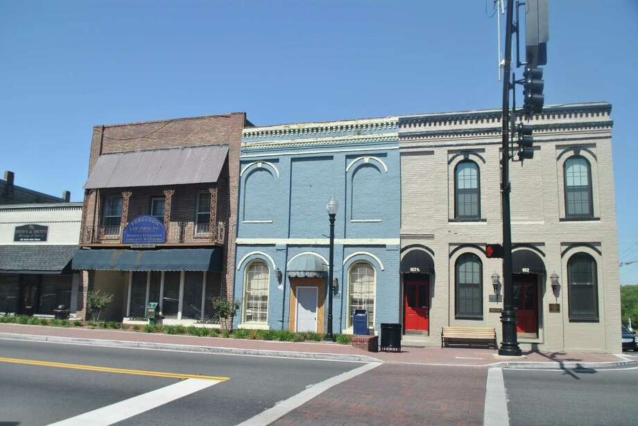 Here are a few buildings in the historic district of Jonesboro, Ga., which has 28,981 homes, worth