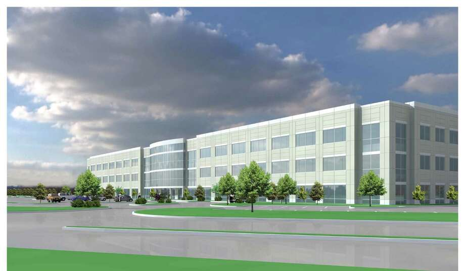 Myers, Crow & Saviers broke ground on Mason Creek Office Center II, Katy, near Mason Road at Interstate 10 two months after Geico moved into the first building. The office building is being built without a secured tenant. / ONLINE_YES
