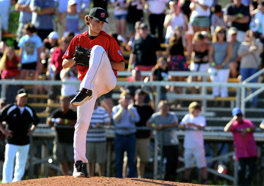 Fairfield Warde pitcher Reese Maniscalco, during baseball action against Trumbull in Trumbull, Conn. on Friday June 6, 2014. Photo: Christian Abraham / Connecticut Post
