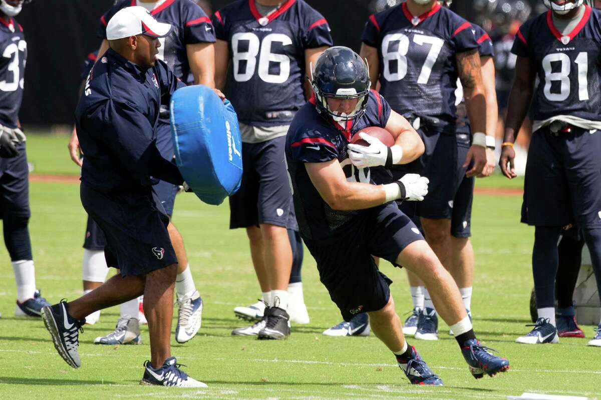 Garrett Graham, center, led Texans tight ends in catches with 49, yards with 545 and touchdowns with five in 2013.