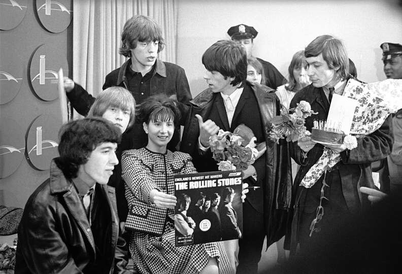 the beatles vs the rolling stones essay Comparison & contrast essay 2 beatles vs rolling stones introduction  half a century ago, any young man who begins to brave the world of rock 'n'.
