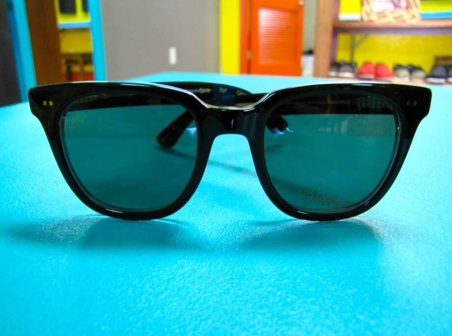TOMS 'Memphis' sunglasses, $129, Simply Chic, Nederland