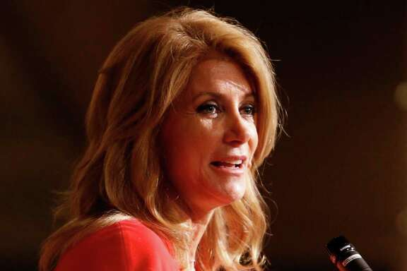 Wendy Davis speaks to at the Texas LULAC State Convention banquet.