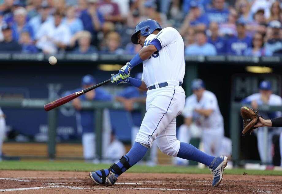 KANSAS CITY, MO - JUNE 7:  Salvador Perez #13 of the Kansas City Royals hits a single in the second inning against the New York Yankees at Kauffman Stadium on June 7, 2014 in Kansas City, Missouri. (Photo by Ed Zurga/Getty Images) ORG XMIT: 477584589 Photo: Ed Zurga / 2014 Getty Images