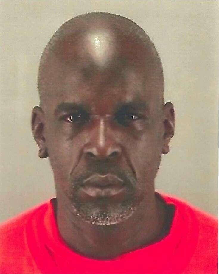San Francisco sheriff's deputies are looking for Timothy Deshone Midgett, 40, of San Francisco who escaped from the Hall of Justice jail Saturday morning.