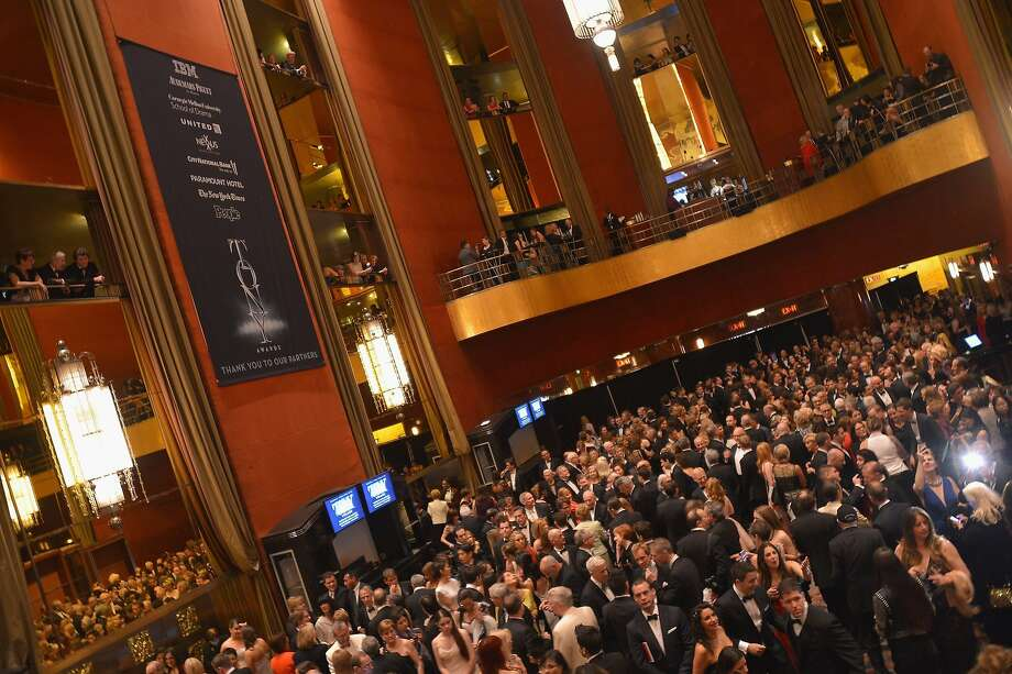A view of atmosphere at the 68th Annual Tony Awards at Radio City Music Hall on June 8, 2014 in New York City.  Photo: Stephen Lovekin, (Credit Too Long, See Caption)