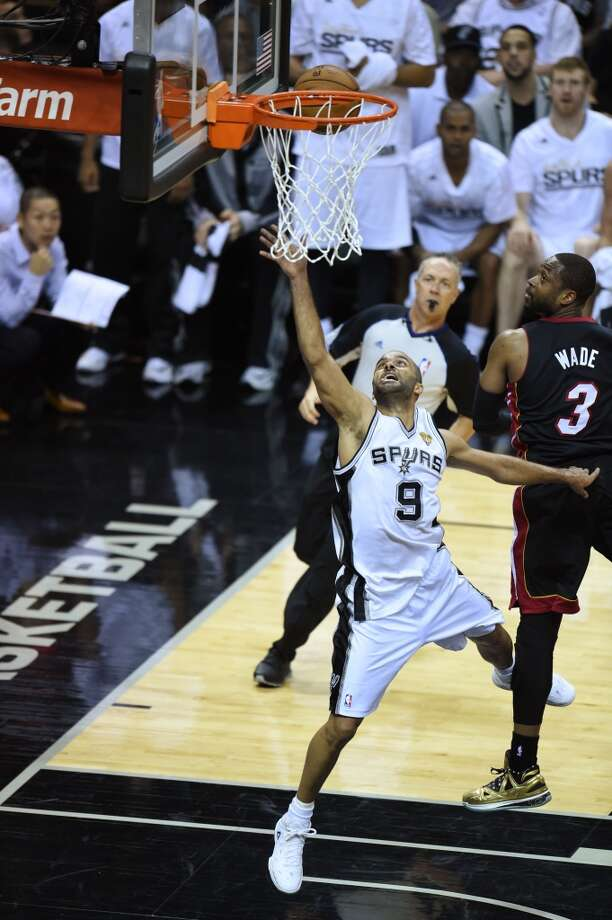 Tony Parker shoots a layup during Game 2 . Photo: ROBYN BECK, AFP/Getty Images