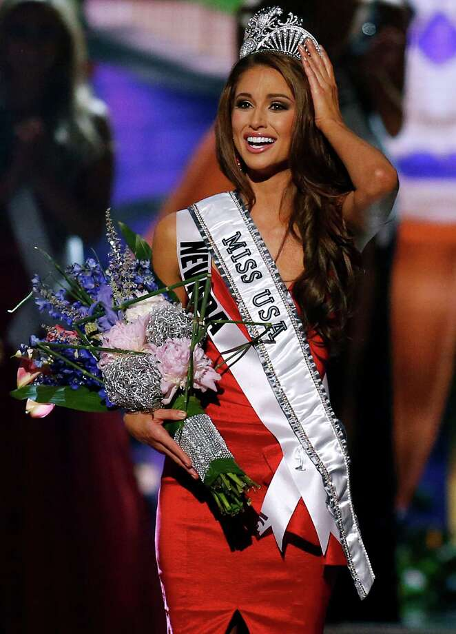 Miss Nevada USA Nia Sanchez is crowned Miss USA during the Miss USA 2014 pageant in Baton Rouge, La., Sunday, June 8, 2014. Photo: Jonathan Bachman, AP / FR170615 AP