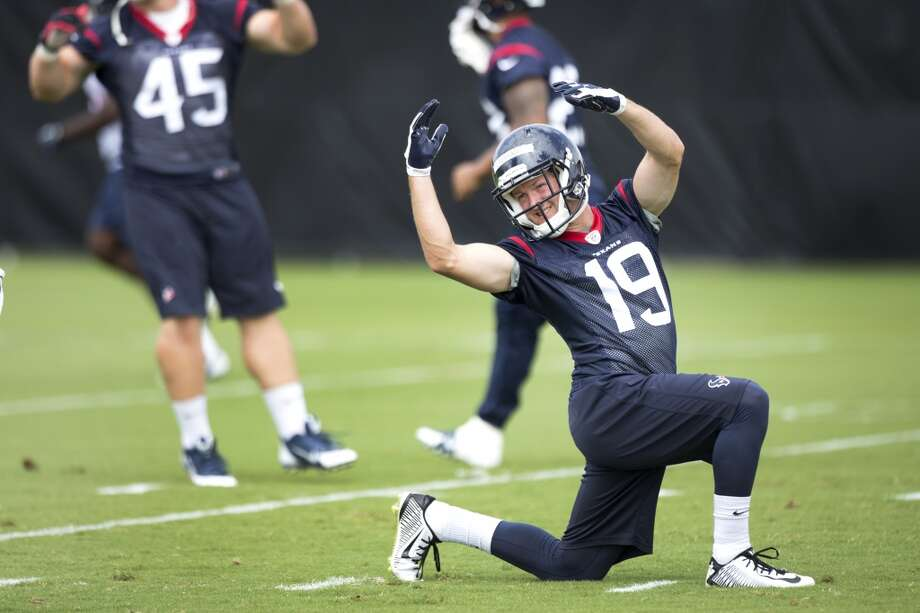 Texans wide receiver Travis Labhart (19) stretches. Photo: Brett Coomer, Houston Chronicle