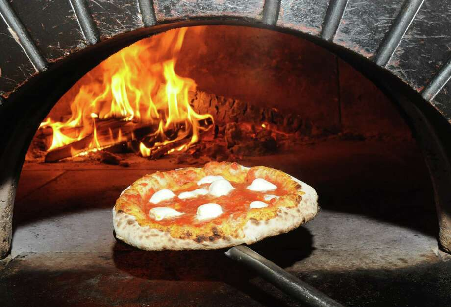 A margherita pizza from Stanziato's Wood Fired Pizza, 35 Lake Avenue Extension, Danbury. Photo: Jay Weir, ST / The News-Times Freelance