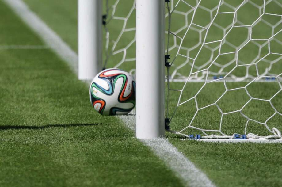 Goal-line technology to be used in the World Cup for the first time should give more accuracy to referees. Photo: Yasuyoshi Chiba / Getty Images / YASUYOSHI CHIBA