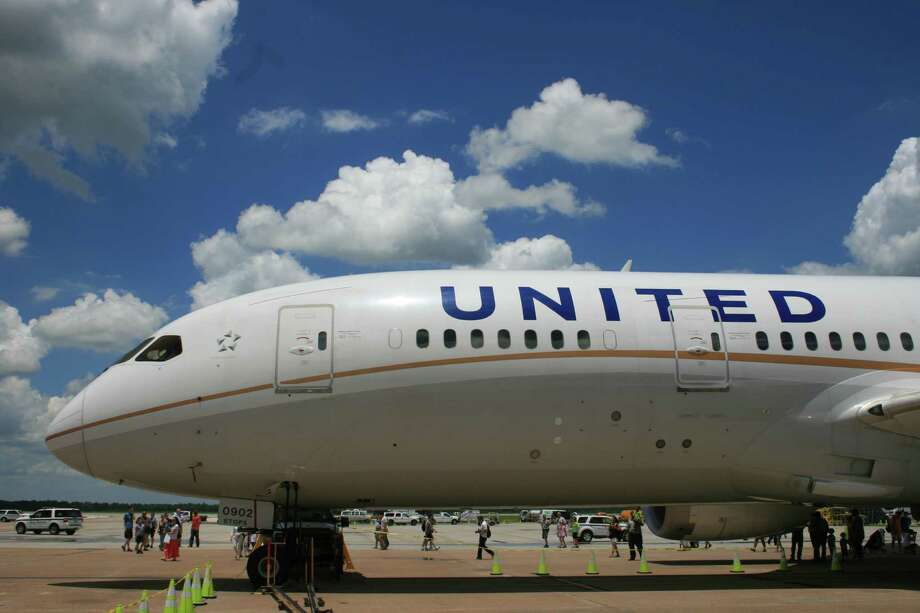 A United Airlines Boeing 787 Dreamliner on display at the Bush Intercontinental Airport 45th birthday celebration. Photo: Bill Montgomery / ONLINE_YES