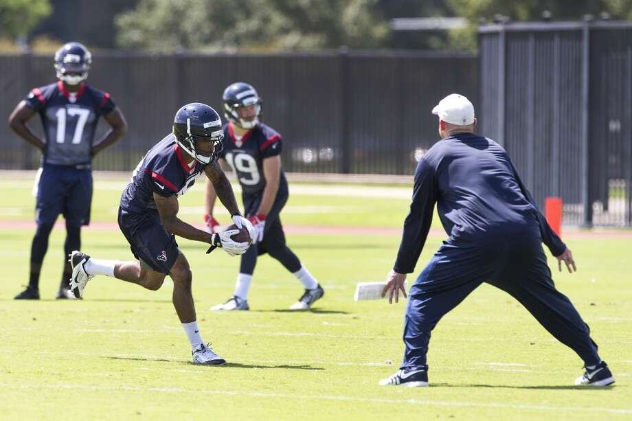 Texans wide receiver Alan Bonner makes a catch. Photo: Brett Coomer, Houston Chronicle